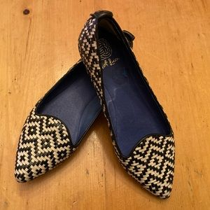 Elliott Luca leather woven flats.